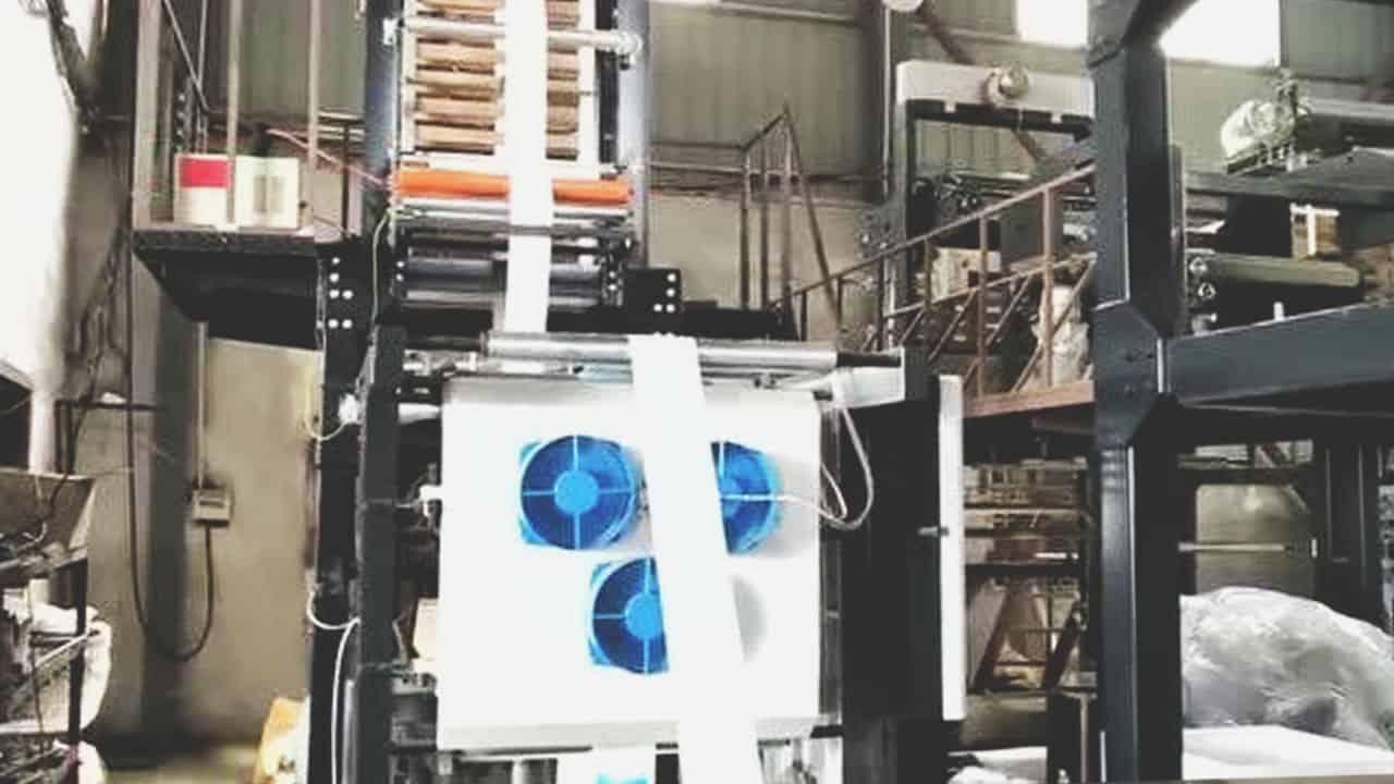 โรงงานผลิตน้ำแข็งเทียม-เครื่องจักร-2